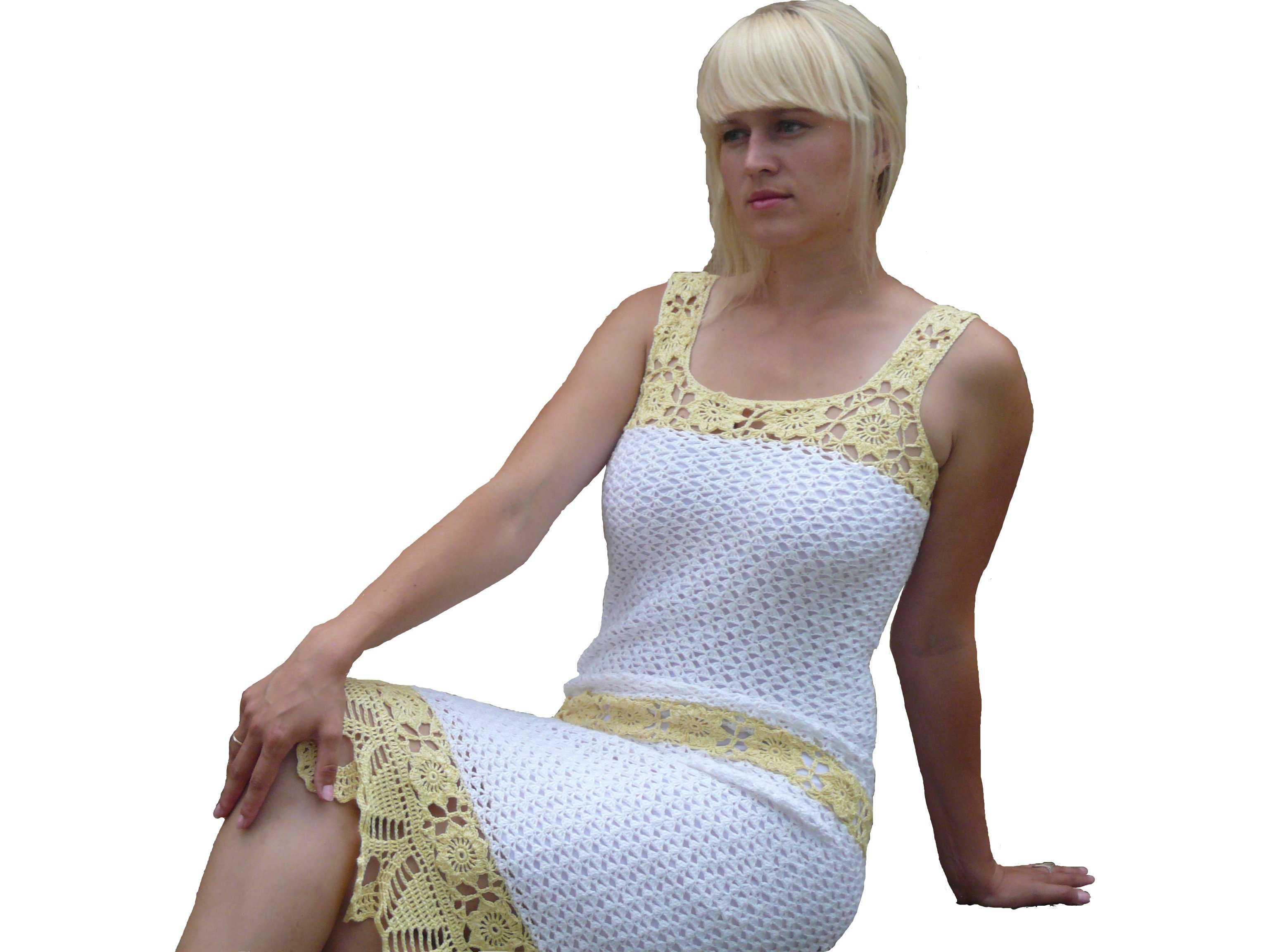 Летнее белое платье вязаное крючком