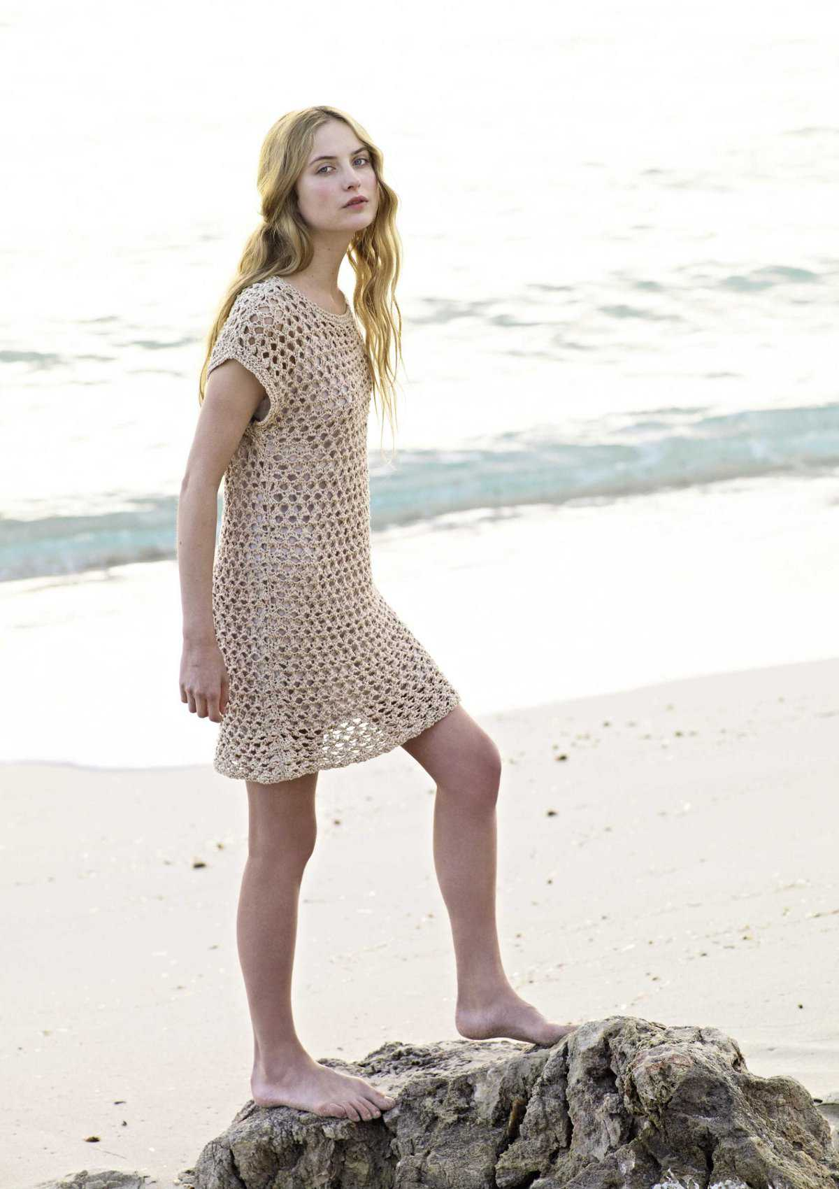 Пляжная туника вязанная спицами