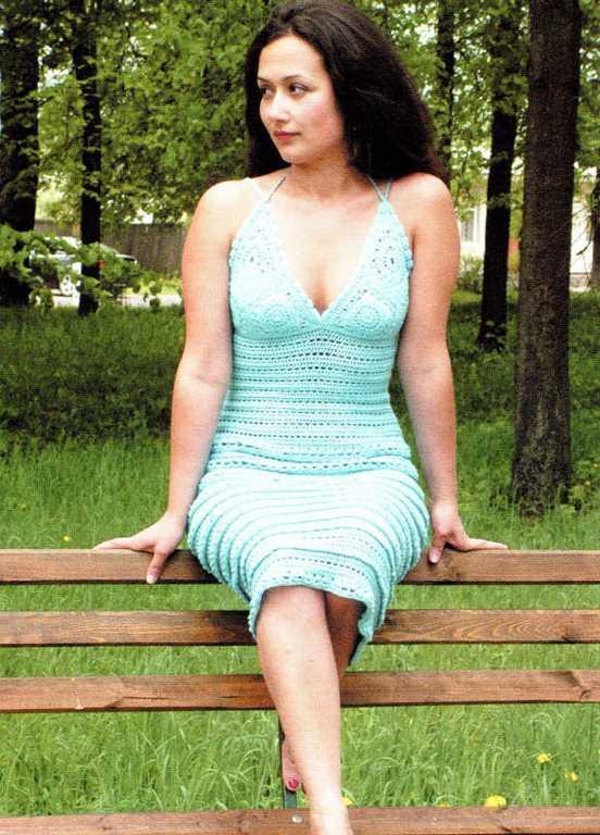 Платье с лифом крючком