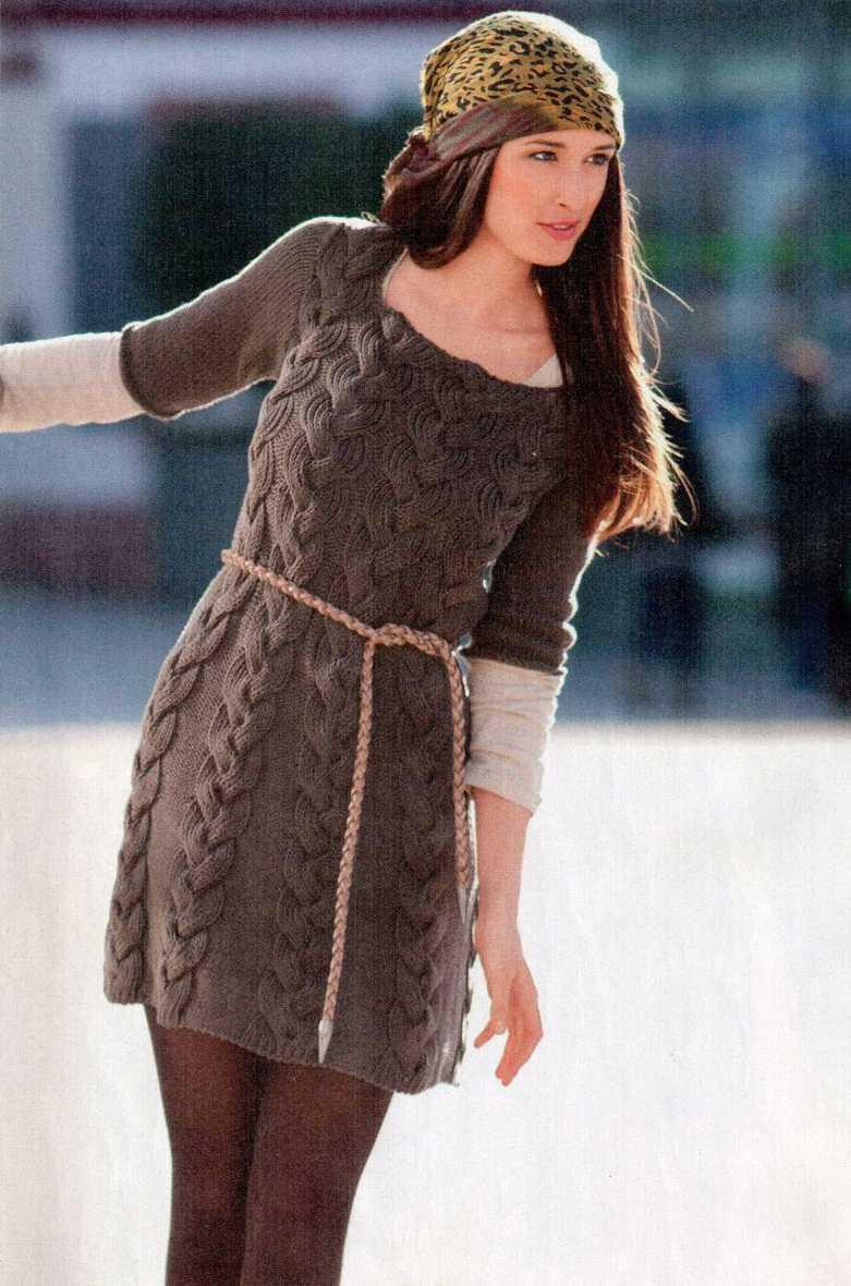 Мини-платье с косами вяаное спицами