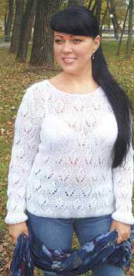 Ажурный пуловер вязаный спицами