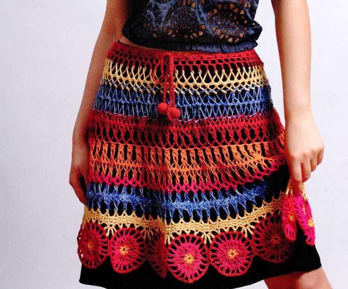 Разноцветная юбка вязаная крючком