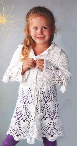Белое пальто для девочки вязаное крючком