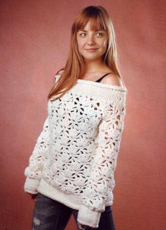 Пуловер из толстой пряжи вязаный крючком