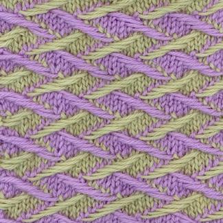 Двухцветный узор вязаный спицами
