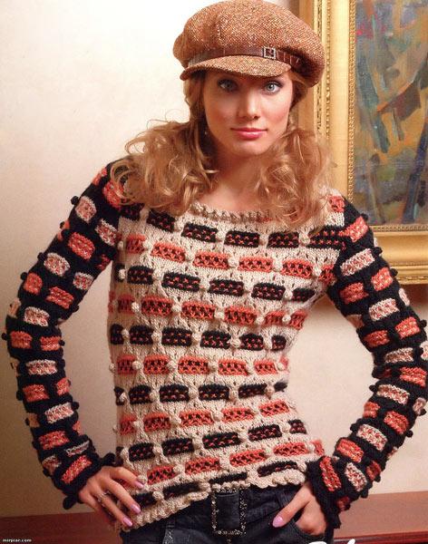 Женский пуловер вязаный спицами и крючком