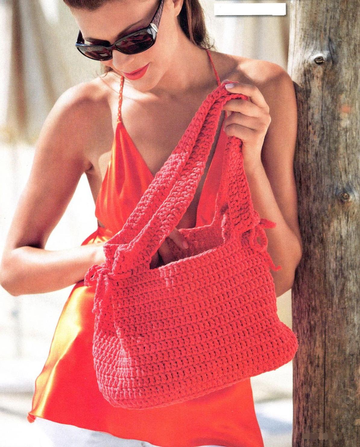 Красная сумка вязаная крючком