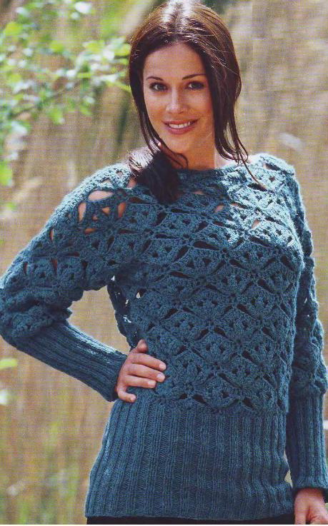 Бирюзовый пуловер с ажурным узором вязаный крючком