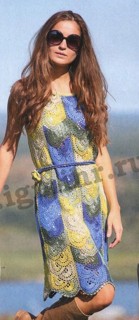 Платье из секционной пряжи крючком