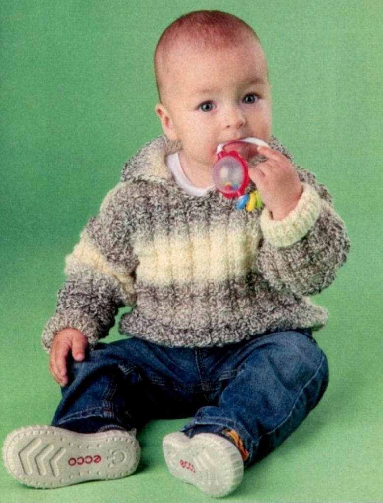 Пёстрый пуловер для мальчика вязаный спицами