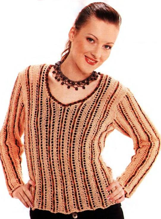 Пуловер с вертикальными полосами вязаный спицами