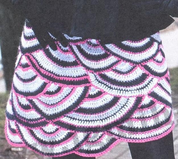Пестрая юбка вязаная крючком