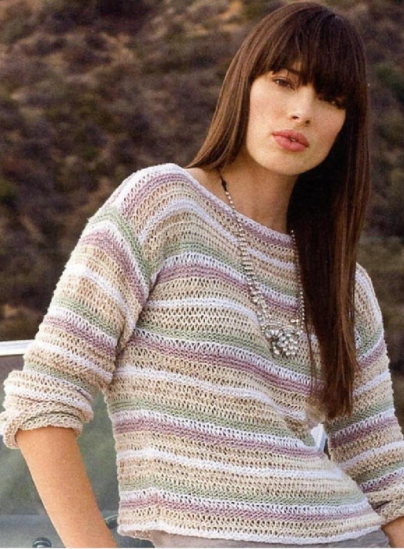 Пуловер в полоску вязаный спицами