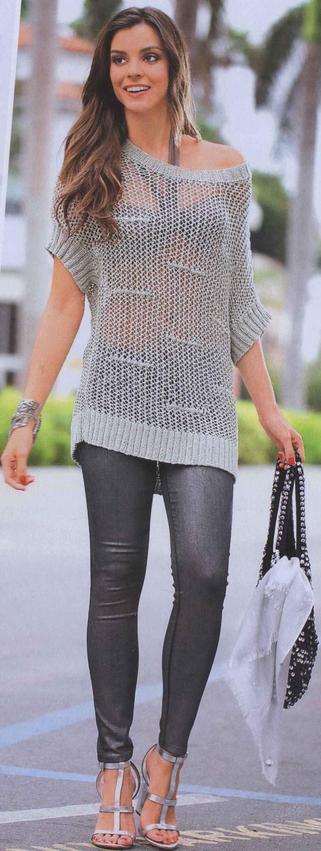 Летний серебристый пуловер вязаный спицами
