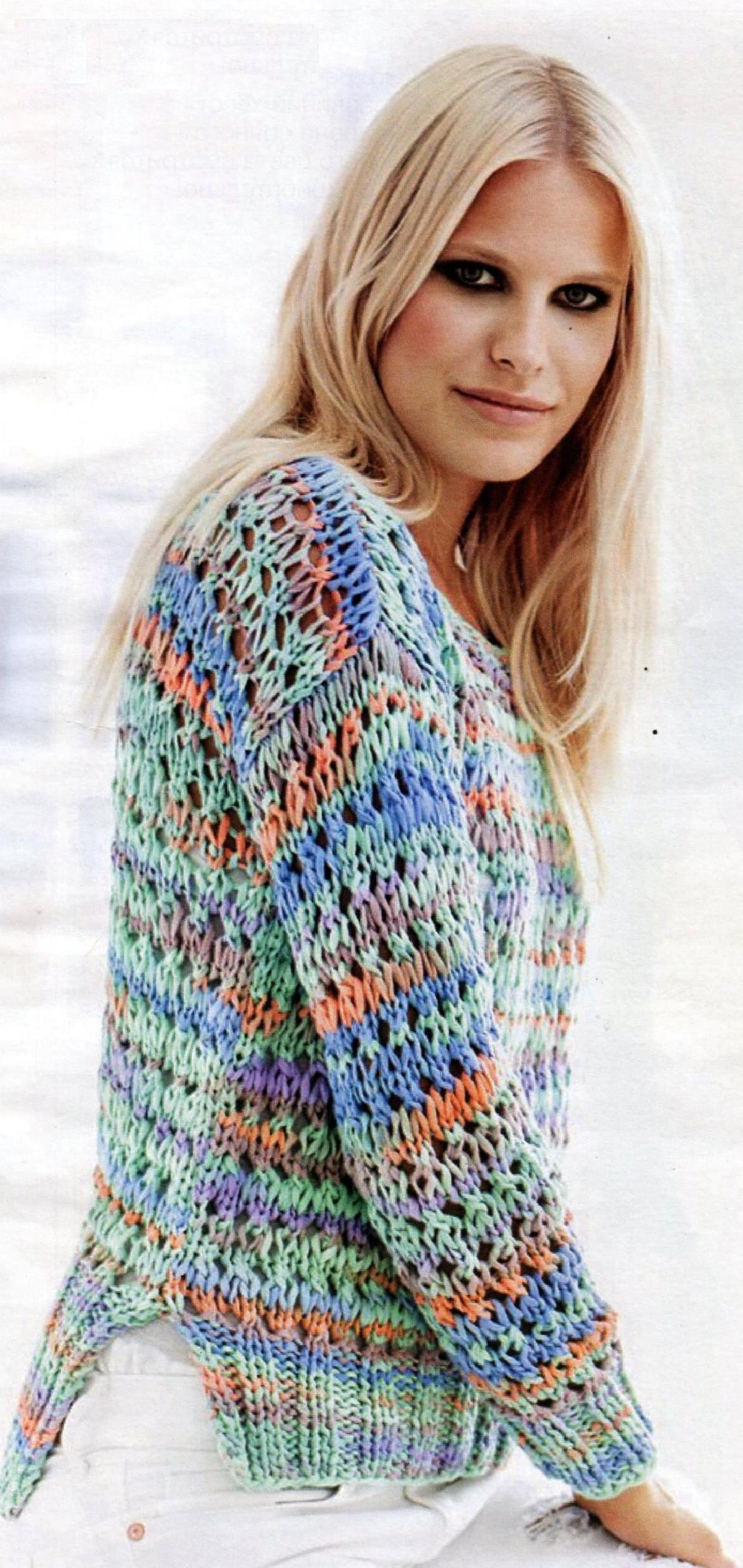 Пуловер с сетчатым узором вязаный спицами