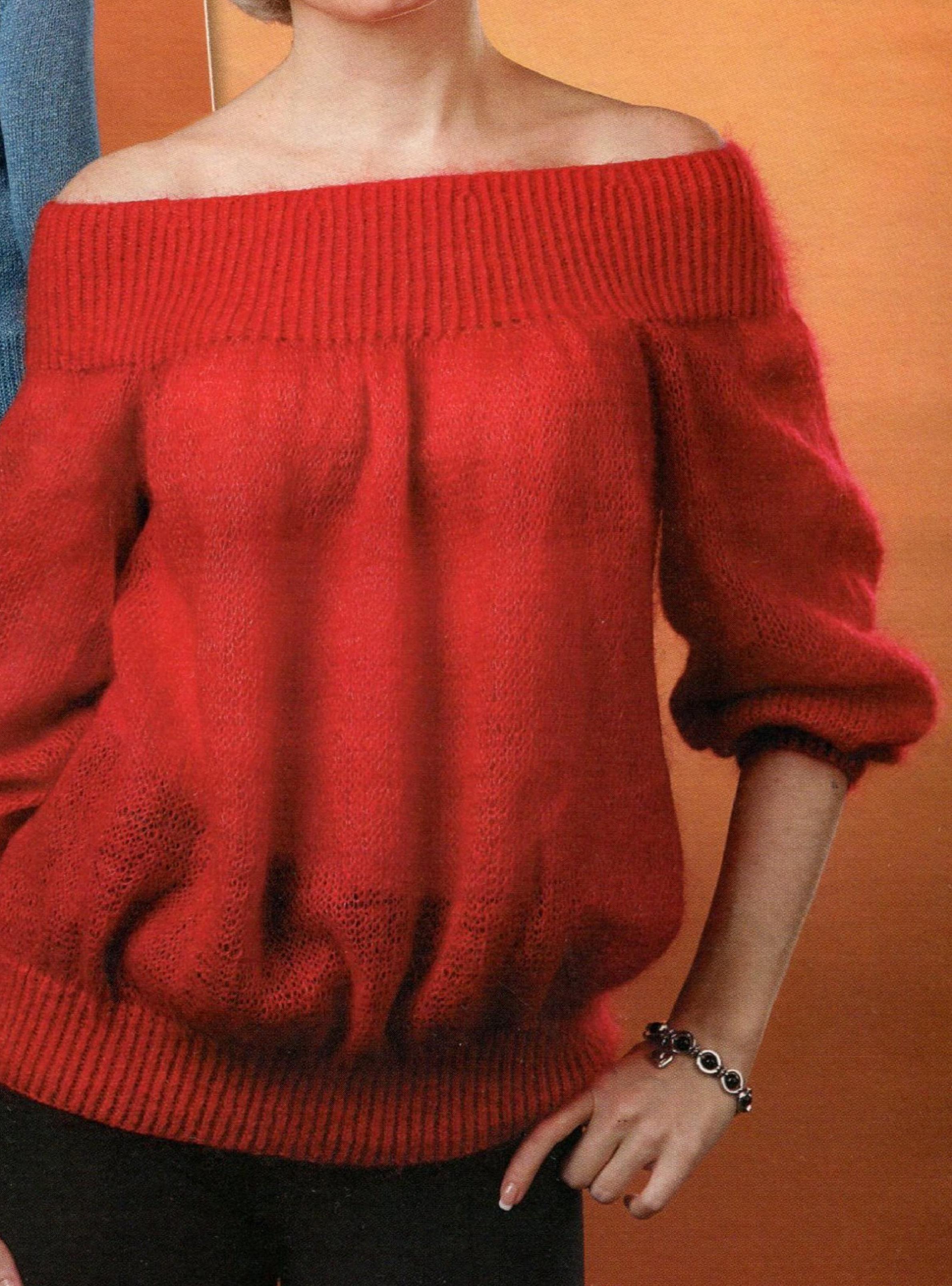 Красный пуловер вязаный спицами
