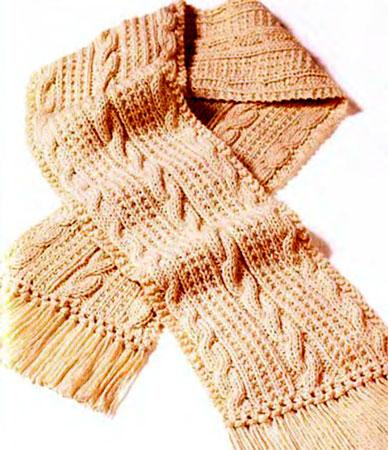 Кашемировый шарф с косичками вязаный спицами