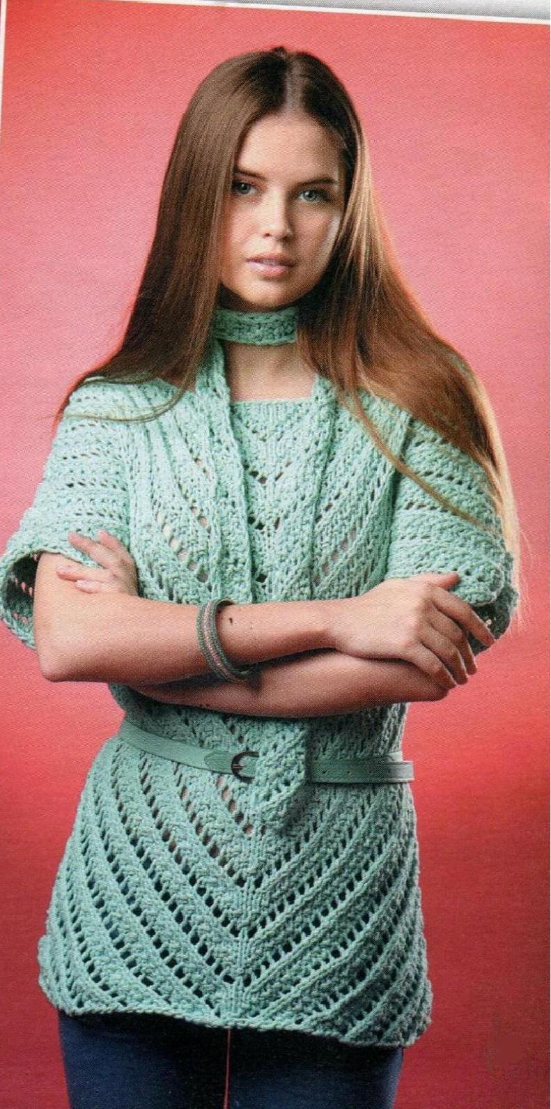 Пуловер цвета мяты и шарфик спицами