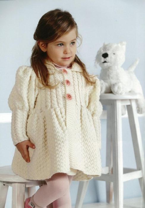 Пальто спицами на девочку — петелики