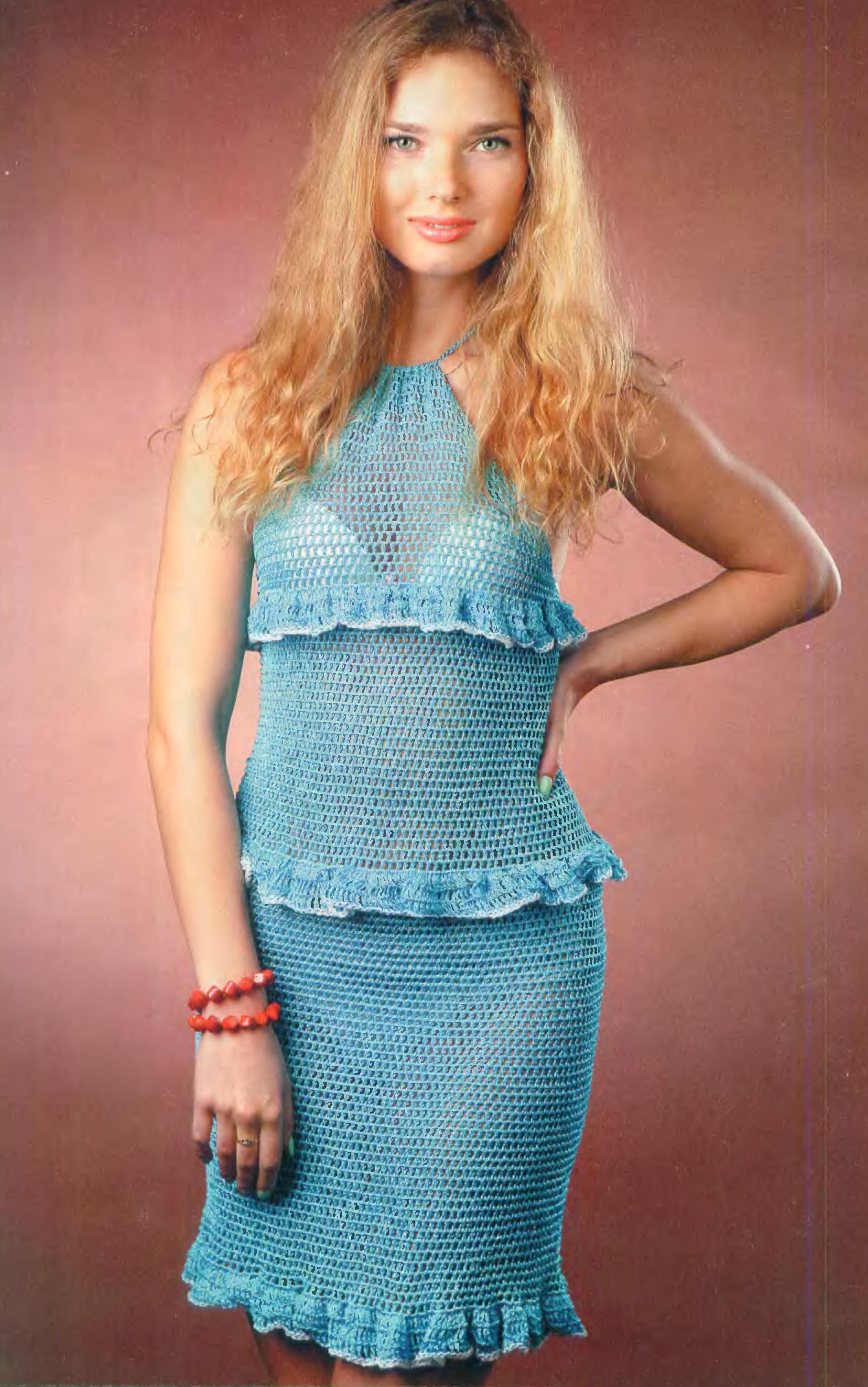 Бирюзовое платье вязаное крючком